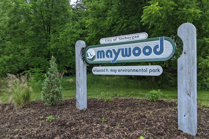 Maywood Park sign